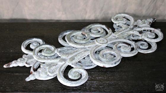 Fleur Scroll Iron Casting